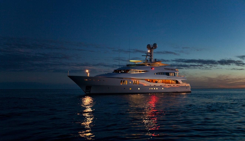 Diamond A Lighting Yacht S Sunset Dusk Image